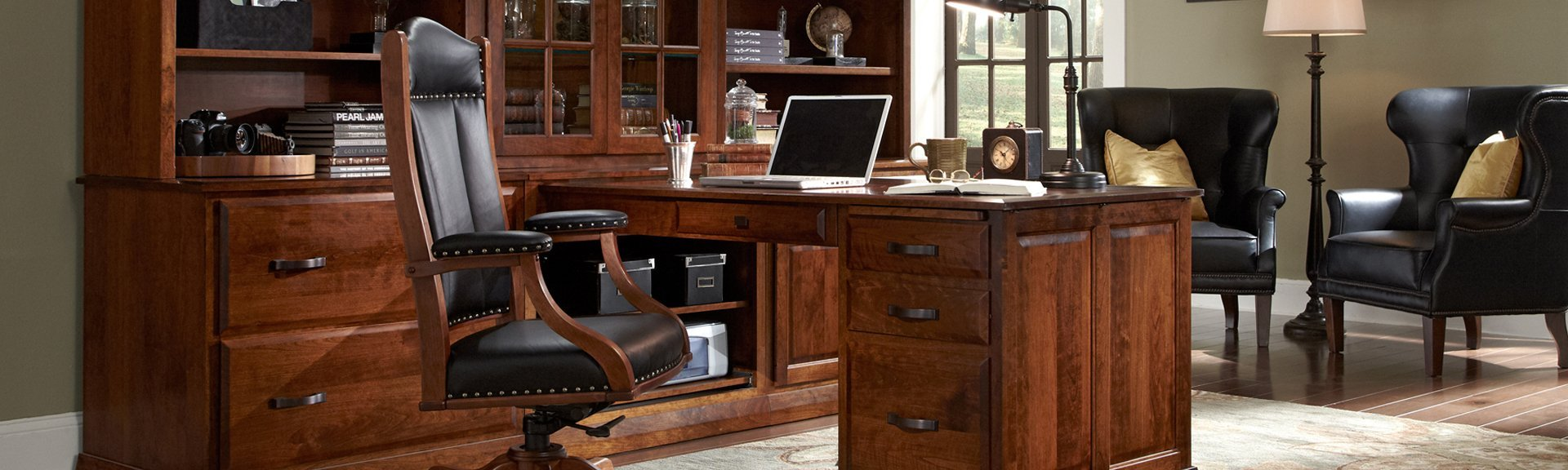 Picture of a Simply Amish Desk and Chair